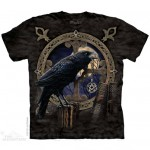 Talisman T Shirt shows a raven with a pentacle in its beak against a full moon
