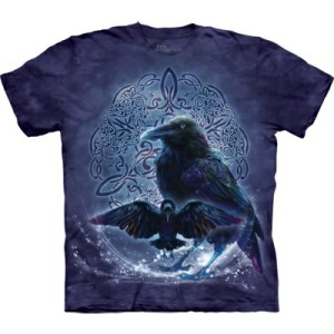 Celtic Raven T Shirt shows 2 ravens in front of an intricate Celtic knot