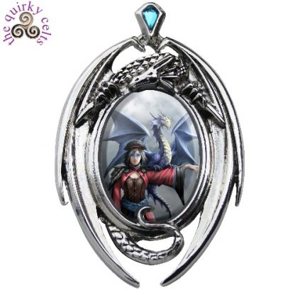 Look to the East Cameo Pendant