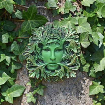 Primavera Green Woman Plaque outide